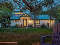 BEAUTIFUL WATERFRONT PROPERTY WITH ADDITIONAL CABINS