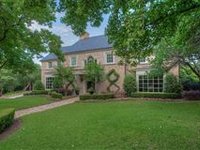 CLASSIC TRADITIONAL IN THE HEART OF WESTOVER HILLS