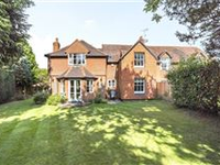 ATTRACTIVE PERIOD FAMILY HOME SET IN A CONVENIENT AND PEACEFUL LOCATION