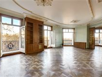 LUXURIOUSLY RENOVATED FOURTH FLOOR APARTMENT