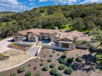 SOPHISTICATED WINE COUNTRY LIVING