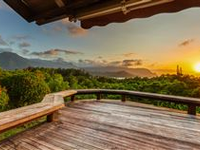 EXTRAORDINARY PROPERTY WITH EXPANSIVE VIEWS