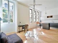 WONDERFULLY APPOINTED AND REVAMPED APARTMENT