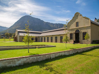 EQUESTRIAN PARADISE IN THE HEART OF THE WINELANDS