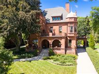 EXQUISITELY REFINED HOME WALKING DISTANCE TO LAKE MICHIGAN