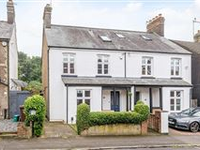 CHARMING HOME CLOSE TO TOWN CENTRE