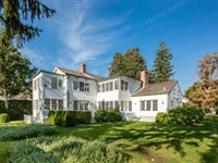 PEACEFUL AND PRIVATE RETREAT - THE JEWEL OF SAG HARBOR