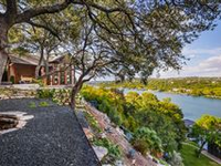 WATERFRONT PARADISE WITH UNRIVALED VIEWS