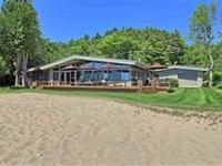 CUSTOM YEAR-ROUND LAKE HOME