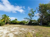 BUILD YOUR DREAM HOME IN OLDE NAPLES