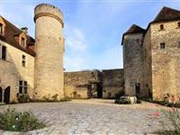 IMPRESSIVE AND HISTORIC CASTLE