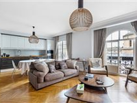 VERY BRIGHT SOUTH-FACING APARTMENT