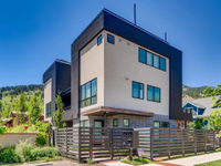 LUXURY END UNIT TOWNHOME WITH 360-DEGREE VIEWS