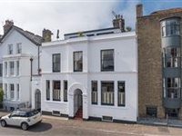 18TH CENTURY TOWNHOUSE OF GREAT CHARM AND IMMENSE STYLE
