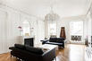 AN ELEGANT APARTMENT IN A BEAUTIFUL 18TH CENTURY BUILDING