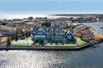 EXTRAORDINARY WATERFRONT HOME