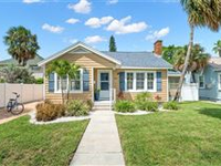 SANDPIPER COTTAGE ON PASS-A-GRILLE BEACH