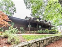 CUSTOM CEDAR LINDAL HOME WITH PRIVACY AND PEACE