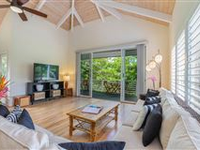 BRIGHT AND SPACIOUS HOME ON QUIET STREET OF PRINCEVILLE