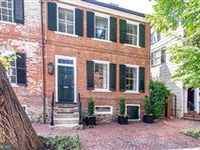FABULOUSLY CHIC HISTORIC HOME IN THE HEART OF OLD TOWN ALEXANDRIA