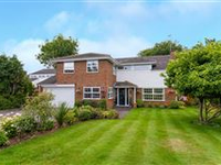 EXCEPTIONAL HOME ON A HIGHLY SOUGHT AFTER CUL-DE-SAC