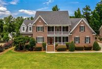 A BEAUTIFUL HOME WITHIN QUIET ANDSCENIC PARKINGTON ESTATES