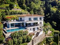 STUNNING HOME IN PRIVATE LOCATION WITH ROMANTIC FOREST AND WATERFALL