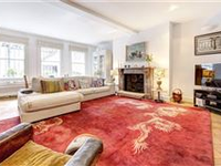 GORGEOUS MAISONETTE WITH PRIVATE GARDEN