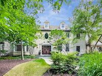 RESORT STYLE LIVING IN EXCLUSIVE EAST NORTHBROOK