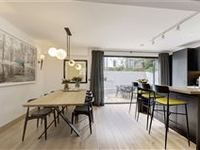 STYLISH TWO BEDROOM ON THE MEWS