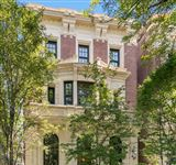CLASSIC MASTERPIECE ON PREMIER LINCOLN PARK STREET