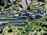 TRADITIONAL MOUNTAINSIDE PROPERTY