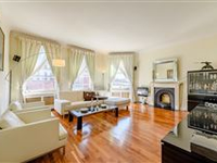 WELL PROPORTIONED APARTMENT WITH EXCELLENT ENTERTAINING SPACE