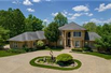 LUXURIOUS PRIVATE ESTATE IN A PICTURESQUE SETTING