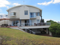 PICTURE-PERFECT HOME IN HERMANUS
