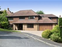 SPACIOUS HOME WITH FLEXIBLE ACCOMMODATION