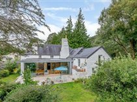 500 YEAR-OLD RENOVATED DEVON LONGHOUSE