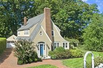 ELEGANT AND CHARMING COLONIAL IN RIVERSIDE
