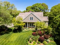BEAUTIFUL AND OPEN HOME IN BODFISH FARMS