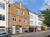 BEAUTIFULLY PRESENTED FOUR BEDROOM HOUSE