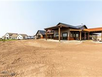 180-ACRE RANCH WITH NEW STRUCTURES