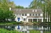 BEAUTIFUL FIVEBEDROOM HOME IN LAKE FOREST