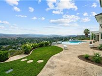 STUNNING ESTATE WITH JAW-DROPPING VIEWS