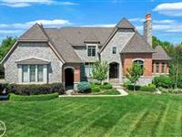 SPACIOUS AND MAGNIFICENT CUSTOM-BUILT HOME IN BRADBURY