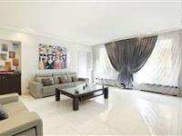 LOVELY APARTMENT WITH AN EXCELLENT FLOOR PLAN AND IN PERFECT CONDITION