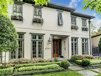 LUXURIOUS AND BEAUTIFULLY RENOVATED HOME IN IDEAL LOCATION