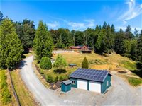 BEAUTIFULLY MAINTAINED HOME WITH UNOBSTRUCTED SWEEPING VALLEY VIEWS