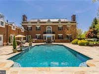 STUNNING AND CLASSIC GEORGIAN-STYLE COLONIAL