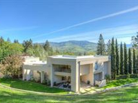 EXCEPTIONAL CUSTOM CONTEMPORARY HOME IN ASHLAND
