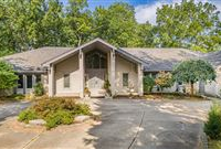 BEAUTIFUL AND SPACIOUS HOME WITH FOX LAKE AND GOLF COURSE VIEWS